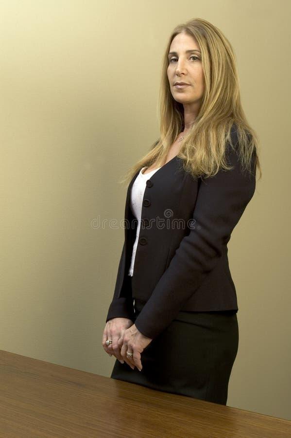 Mujer de negocios bonita imagenes de archivo