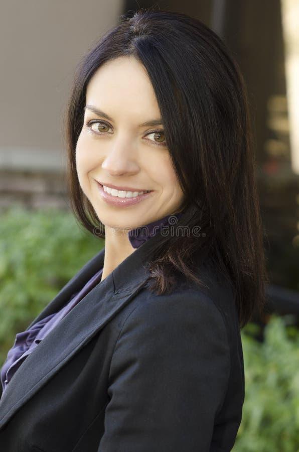 Mujer de negocios cómoda confiada fotografía de archivo libre de regalías
