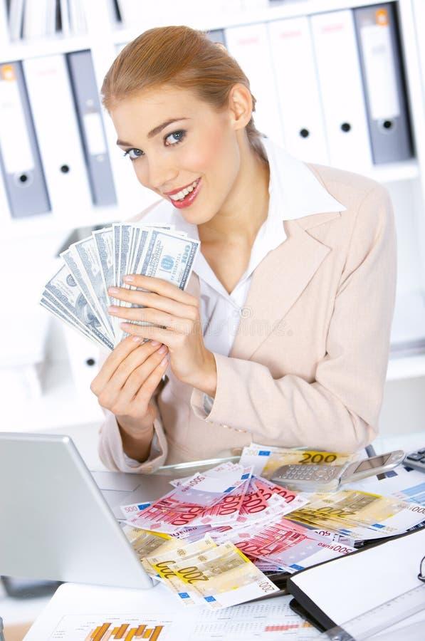Download Mujer De Negocios En Oficina Imagen de archivo - Imagen de banknotes, confidente: 7278593