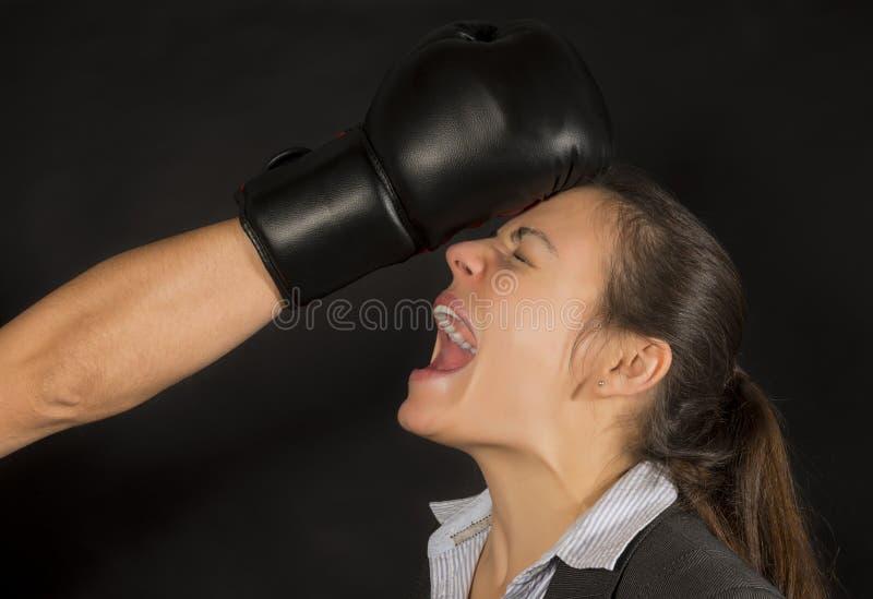 Mujer de negocios golpeada abajo foto de archivo libre de regalías