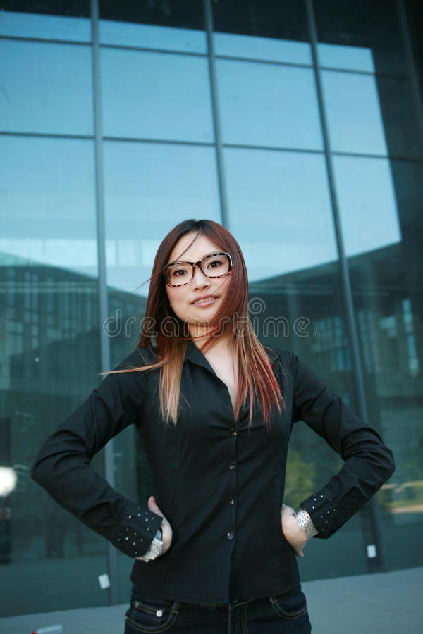 Mujer de negocios joven foto de archivo libre de regalías