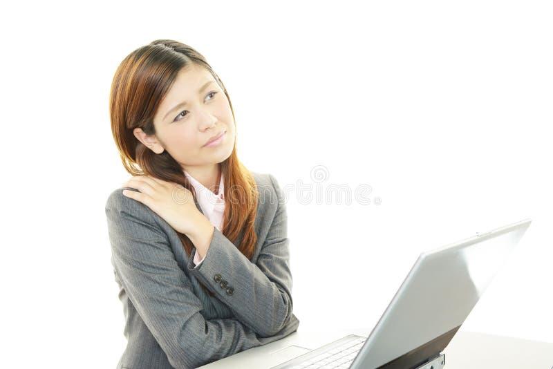 Mujer de negocios joven cansada fotografía de archivo libre de regalías
