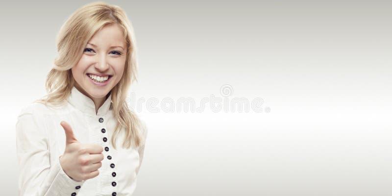 Mujer de negocios joven sonriente fotografía de archivo