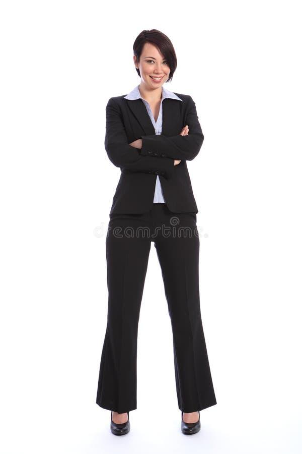 Mujer de negocios joven sonriente hermosa en juego imagenes de archivo