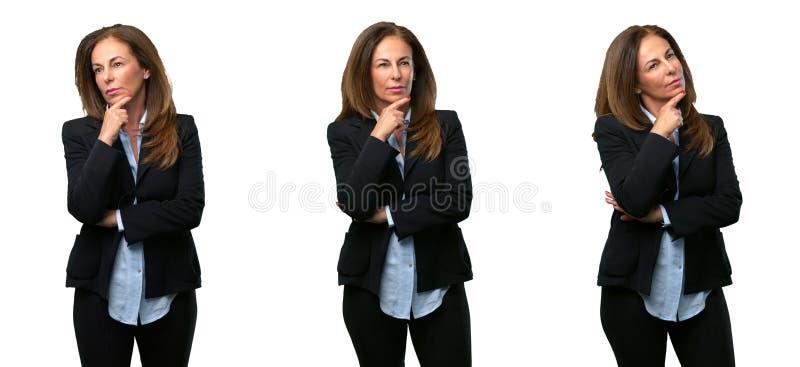 Mujer de negocios de la Edad Media con el pelo largo fotografía de archivo libre de regalías