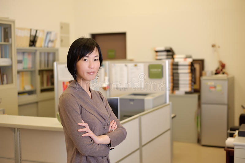 Mujer de negocios maduros acertada fotos de archivo libres de regalías