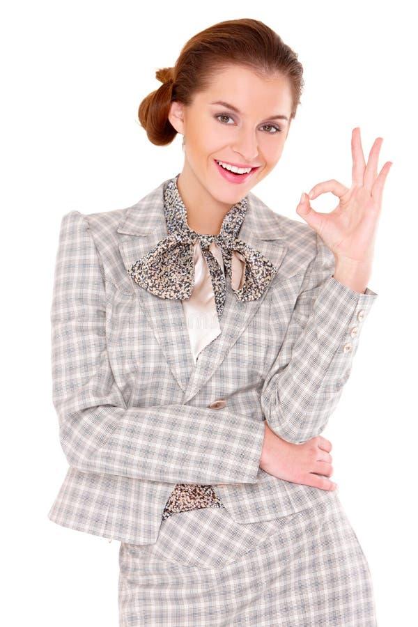 Mujer de negocios que muestra gesto aceptable imágenes de archivo libres de regalías