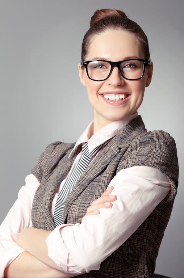 Mujer de negocios sonriente feliz foto de archivo libre de regalías