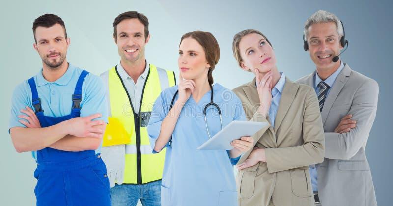 Mujer de negocios y hombre del centro de atención telefónica, doctor, hombre práctico y constructor contra fondo azul imágenes de archivo libres de regalías
