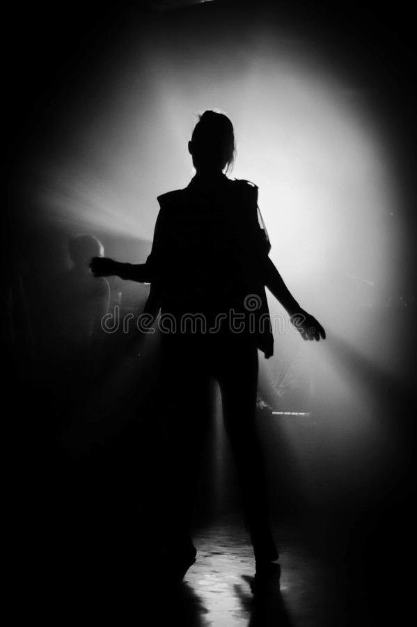 Download Mujer del baile imagen de archivo. Imagen de dancing - 42425995