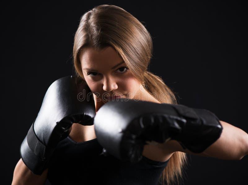 Mujer del boxeo fotografía de archivo