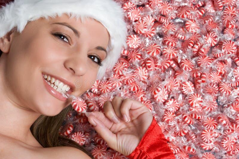 Mujer del caramelo de la Navidad imagen de archivo