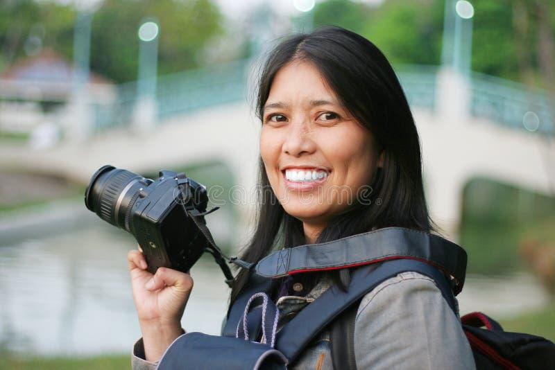 Mujer del fotógrafo imagen de archivo libre de regalías