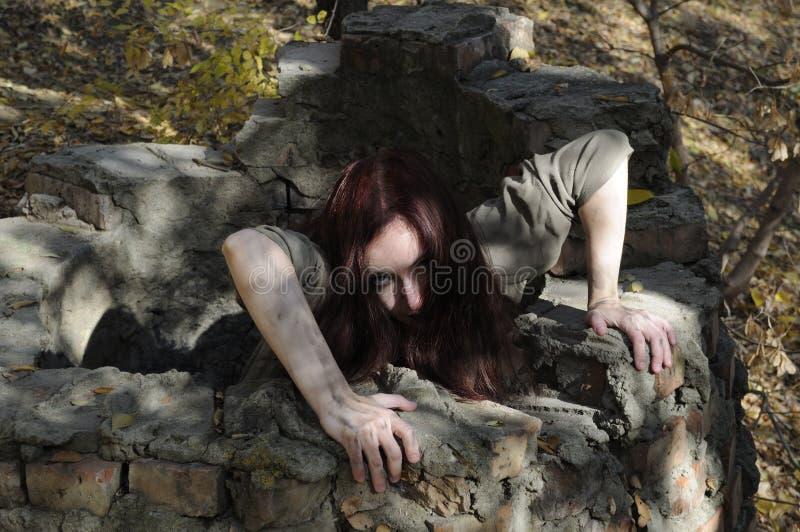 Mujer del horror del receptor de papel fotos de archivo