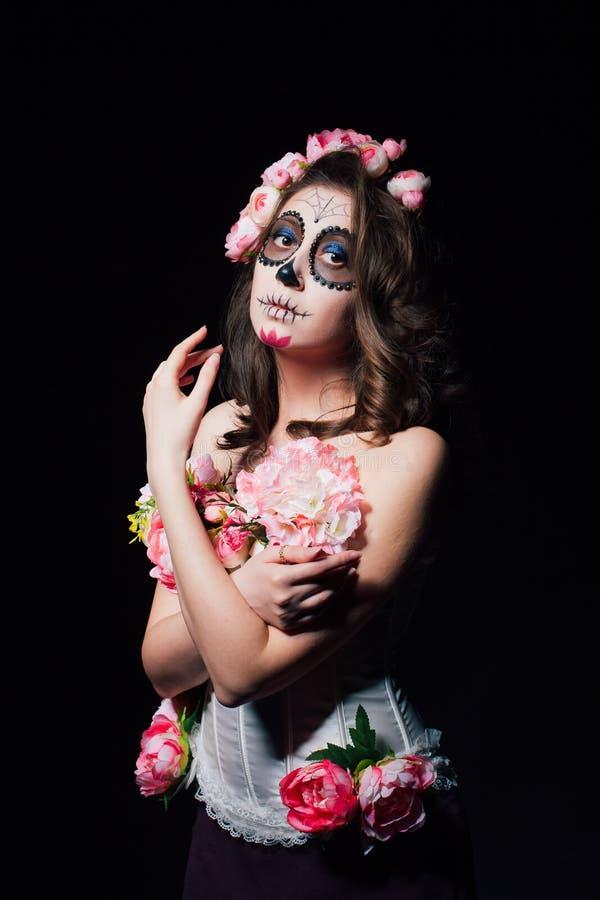 Mujer del maquillaje de Halloween de Santa Muerte imagenes de archivo