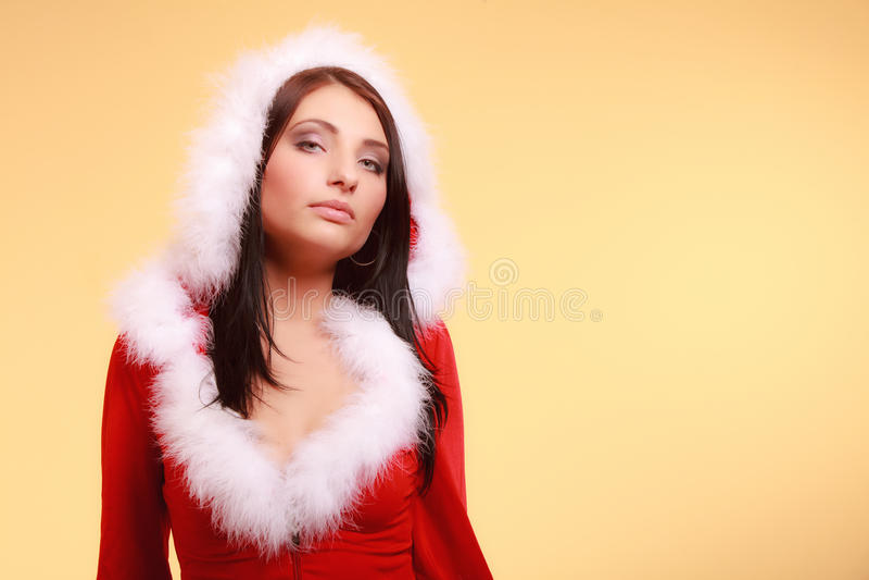 Download Mujer Del Retrato Que Lleva El Traje De Papá Noel En Amarillo Imagen de archivo - Imagen de bebé, brunette: 44855143