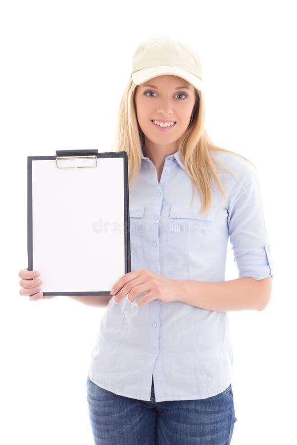 Mujer del servicio de entrega de los posts de los jóvenes con el tablero en blanco aislado fotografía de archivo