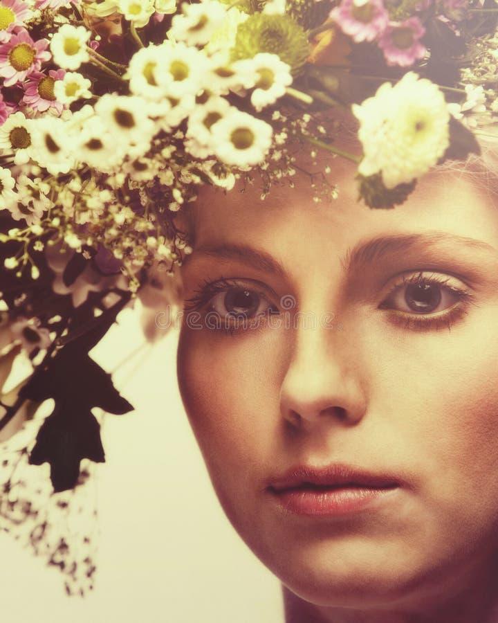 Mujer del verano foto de archivo libre de regalías