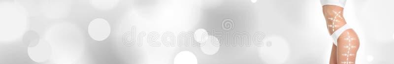 Mujer delgada joven con las flechas en cuerpo contra el fondo del color, primer ilustración del vector