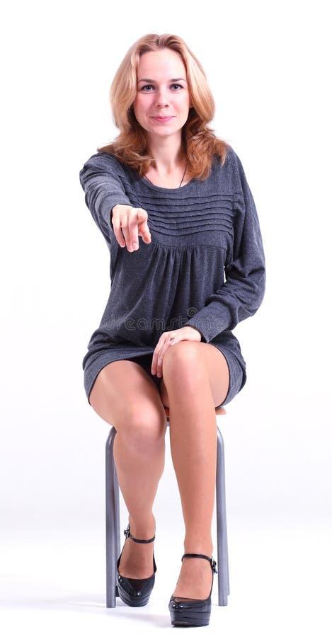 Mujer en alineada gris. imagen de archivo libre de regalías