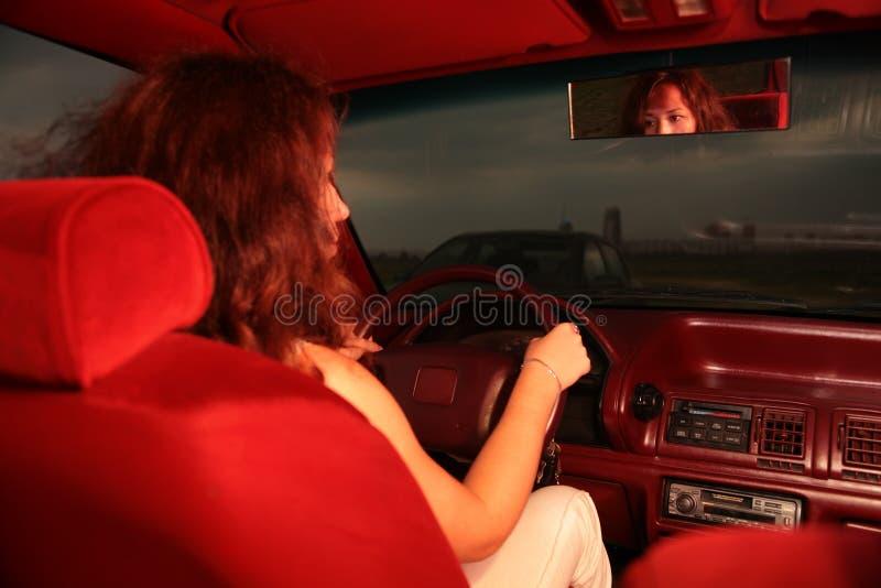 Mujer en asiento de programas pilotos imágenes de archivo libres de regalías
