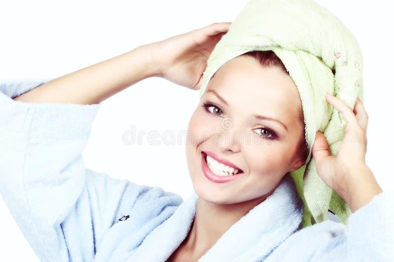 Mujer en baño imagen de archivo