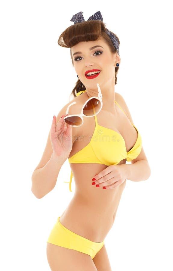 Mujer en bikini con las gafas de sol imágenes de archivo libres de regalías