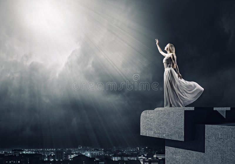 Mujer en blanco fotografía de archivo