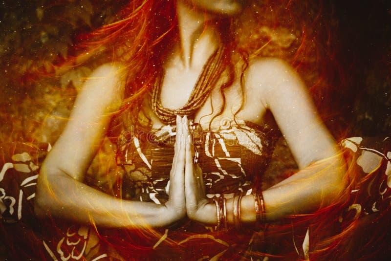Mujer en foto del compuesto de la posición de la yoga foto de archivo