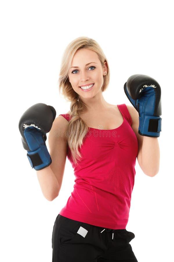 Mujer en guantes de boxeo foto de archivo libre de regalías
