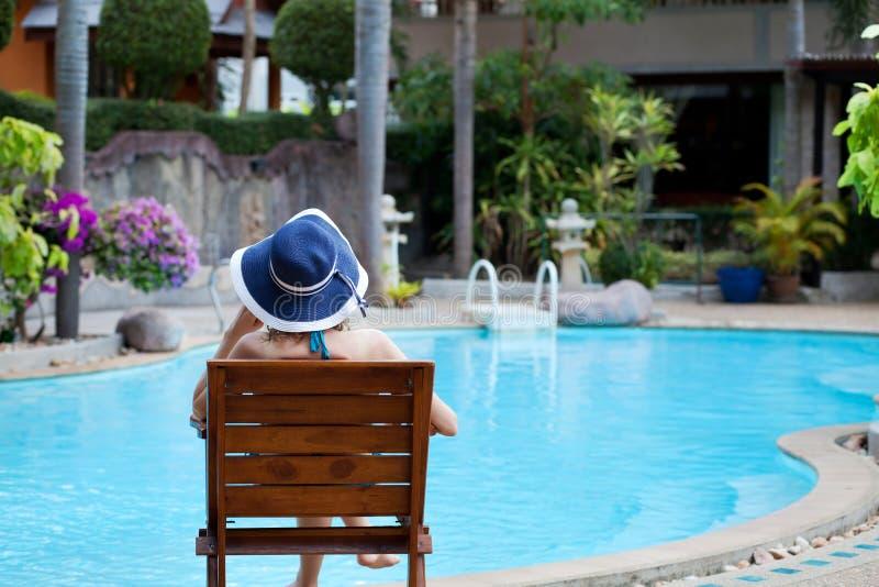 Mujer en hotel de lujo del balneario fotos de archivo libres de regalías