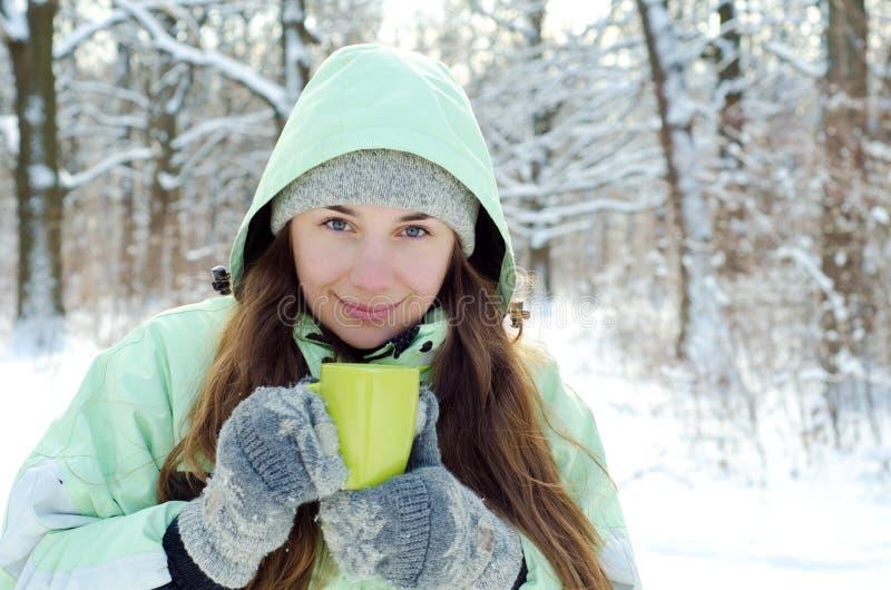 Mujer en invierno fotografía de archivo libre de regalías