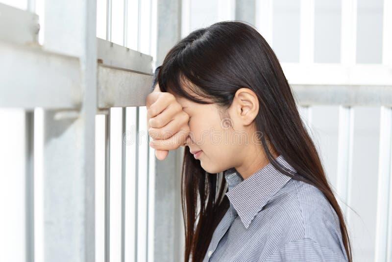 Mujer en la depresión foto de archivo