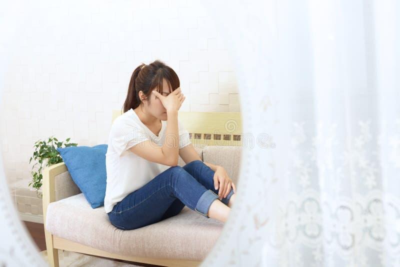 Mujer en la depresi?n fotos de archivo