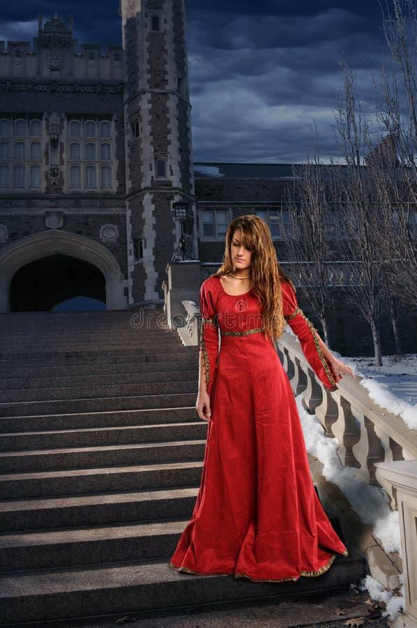 Mujer en la ropa del renacimiento foto de archivo libre de regalías