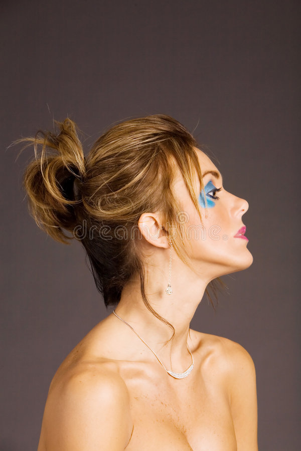 Mujer en maquillaje imagenes de archivo