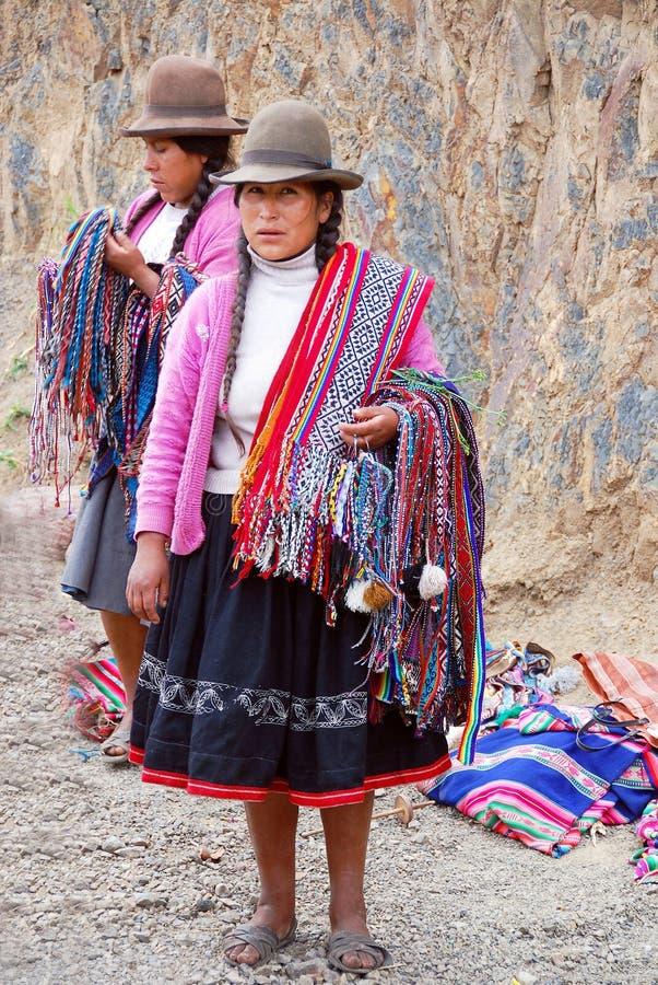 Mujer en ropa típica imágenes de archivo libres de regalías
