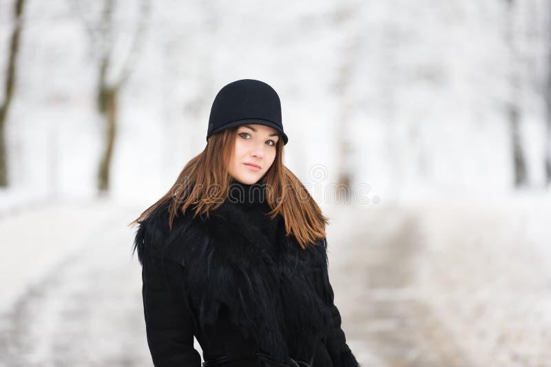 Mujer en un sombrero fotografía de archivo