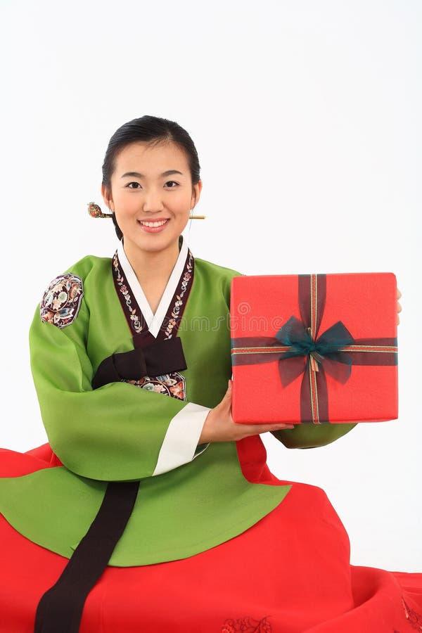 Mujer en vestido coreano imágenes de archivo libres de regalías