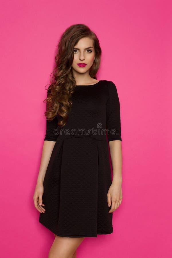 Collar con un vestido negro – Vestidos de moda blog de fotos del sitio