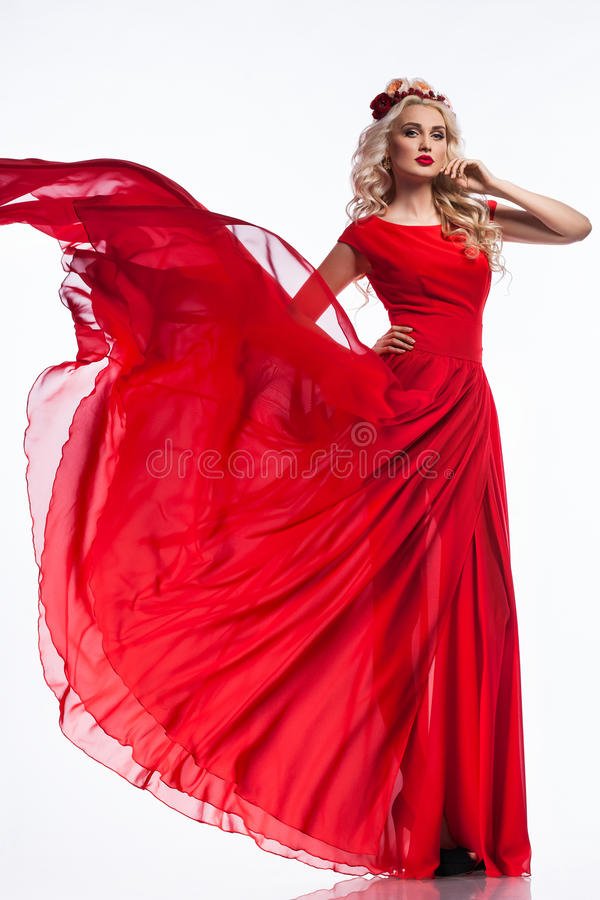 Mujer en vestido rojo foto de archivo