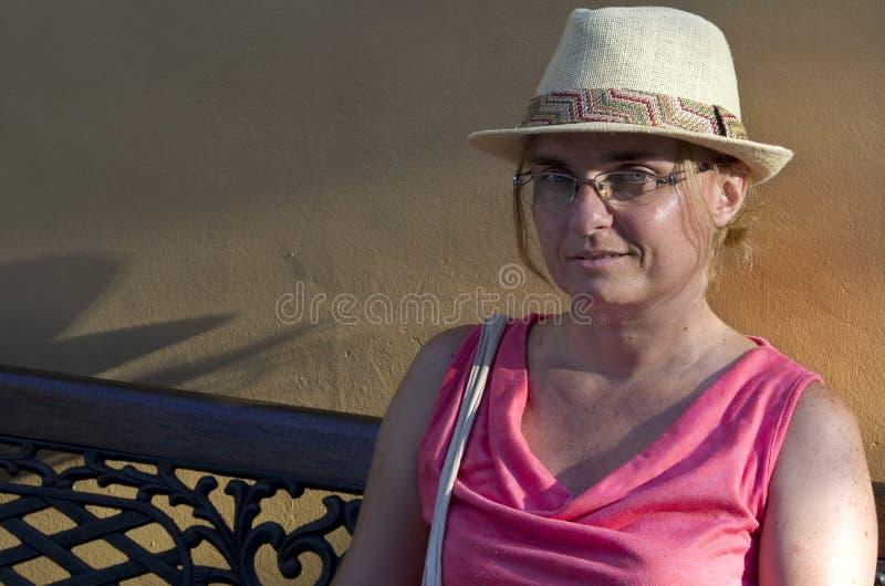 Mujer envejecida media fotos de archivo libres de regalías