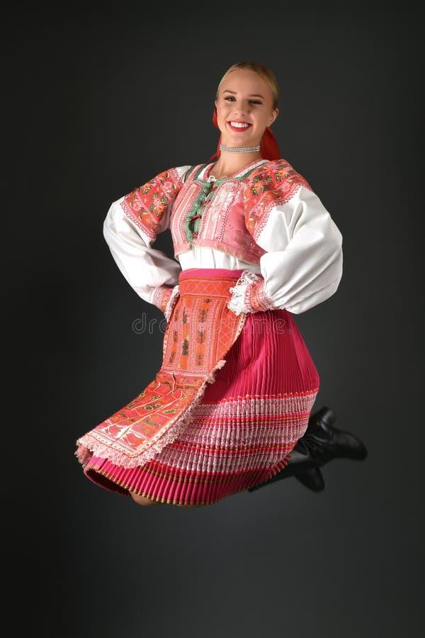 Mujer eslovaca del folclore foto de archivo libre de regalías