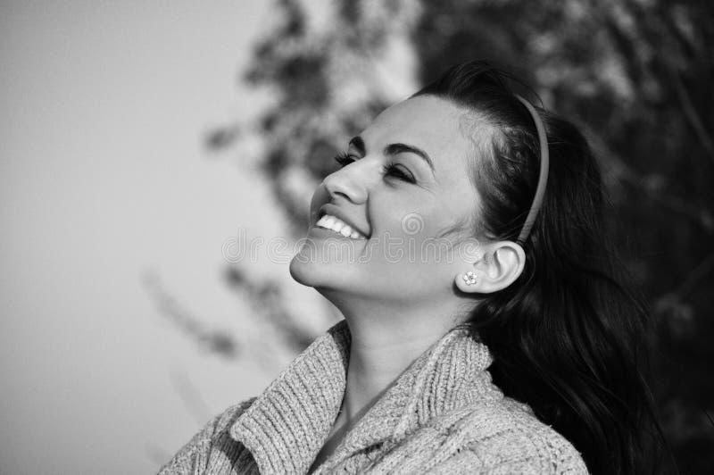 Mujer feliz joven imagenes de archivo