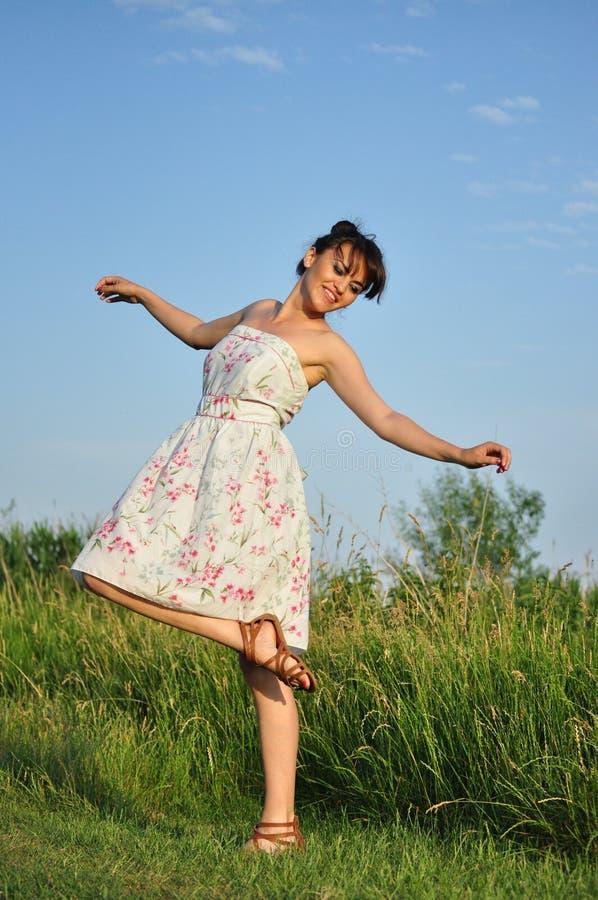 Mujer feliz joven foto de archivo libre de regalías