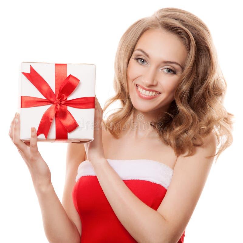 Mujer feliz joven con un regalo imágenes de archivo libres de regalías