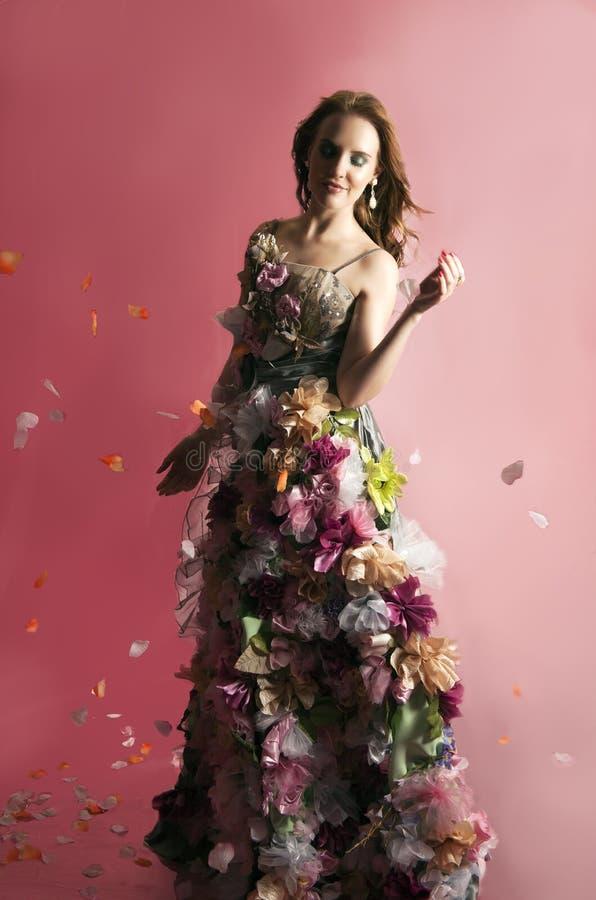 Mujer floral de la fantasía en rosa imagen de archivo