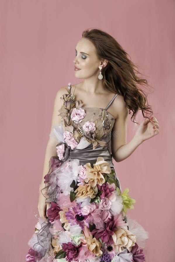 Mujer floral de la fantasía en vestido de la flor imágenes de archivo libres de regalías