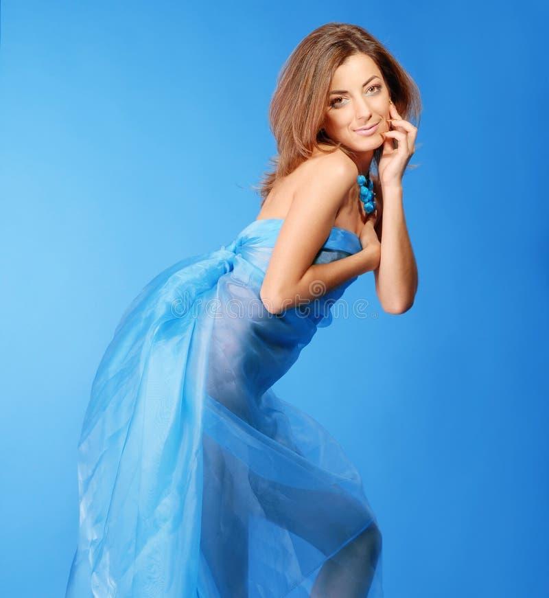 Download Mujer hermosa foto de archivo. Imagen de humano, muchacha - 7151616