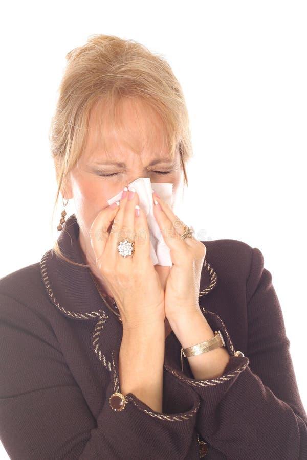 Mujer hermosa con alergias imagen de archivo libre de regalías